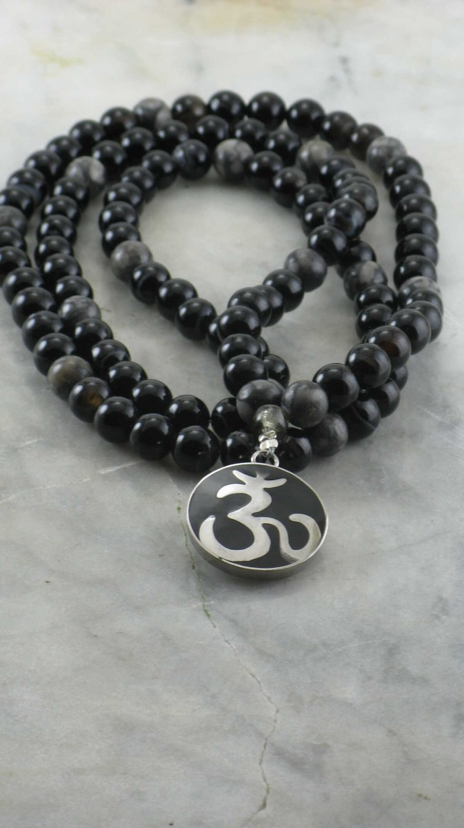 OM_Mala_108_Mala_Beads_Buddhist_Prayer_Beads