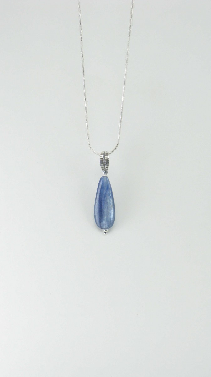 Dew_Drop_Yoga_Jewelry_Necklace_Kyanite_Pendant_Silver_Blue