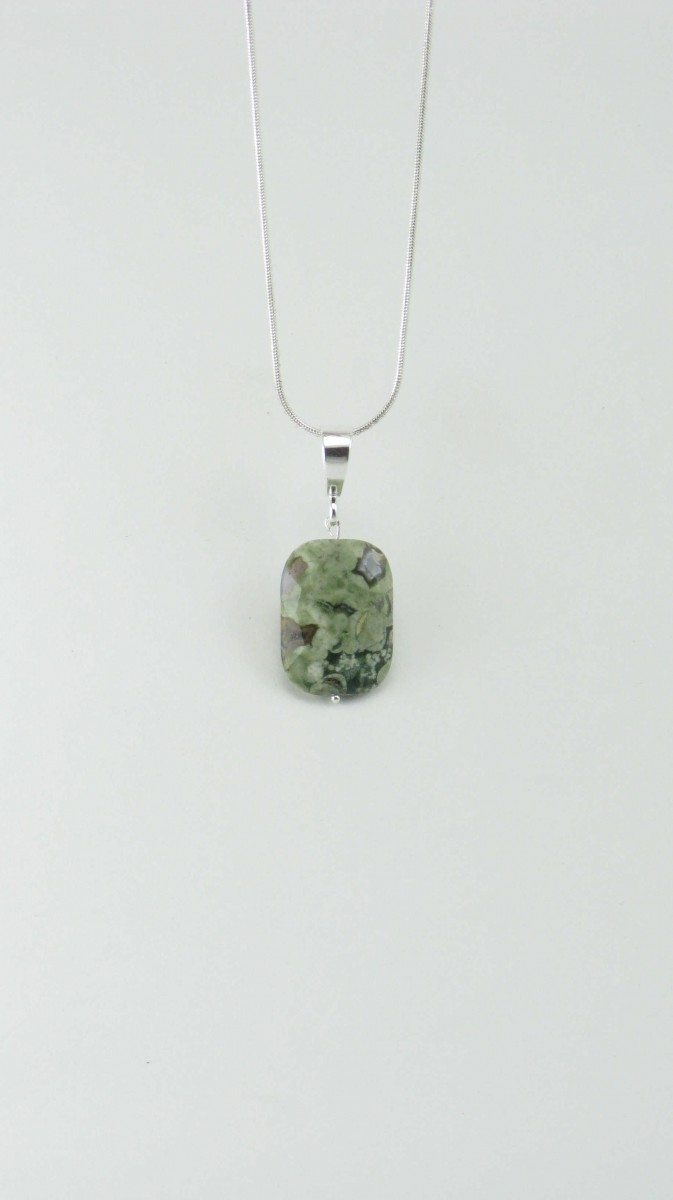Rainforest_Yoga_Jewelry_Necklace_Rainforest_Jasper_Pendant_Silver_Green