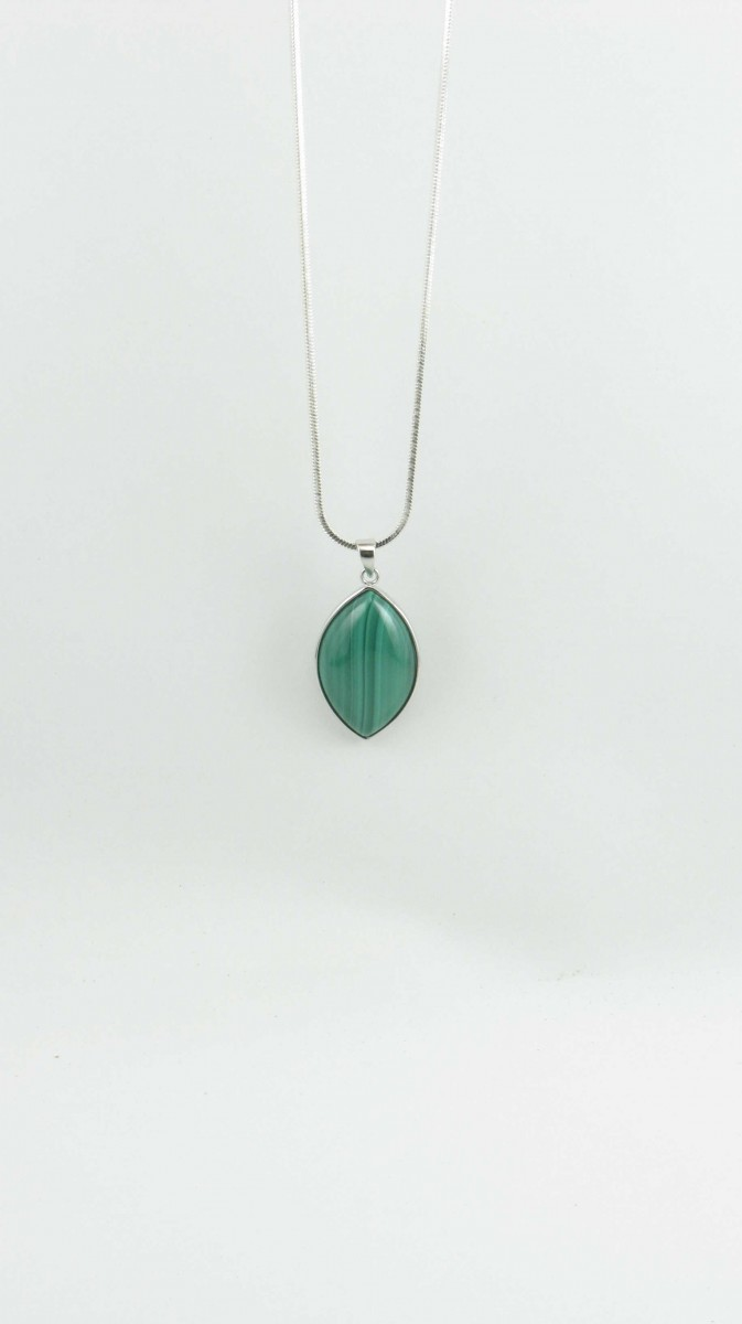 Confidence_Yoga_Jewelry_Necklace_Malachite_Pendant_Silver_Green
