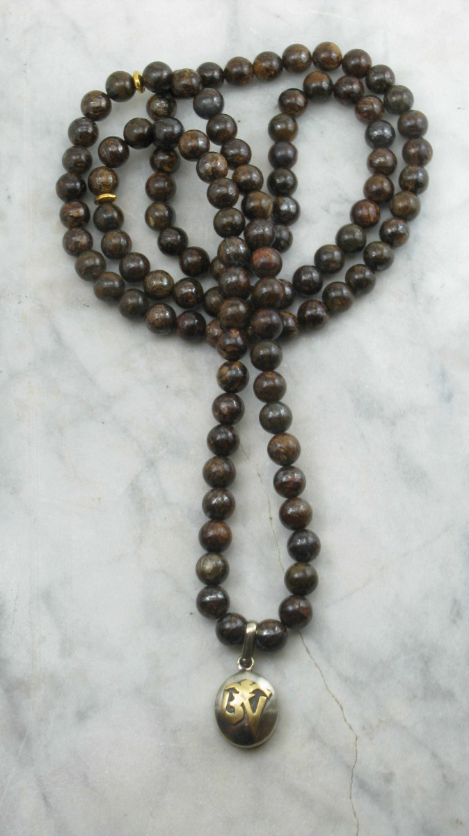 Shield_Mala_Neckalce_Bronzite_Mala_Beads_for_Men_Buddhist_Prayer_Beads