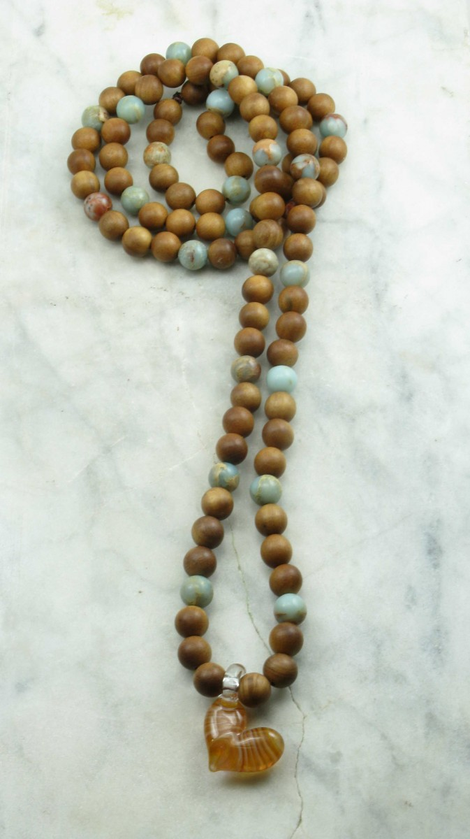 Sweetheart_Mala_Beads_Sandalwood_Serpentine_Buddhist_Prayer_Beads