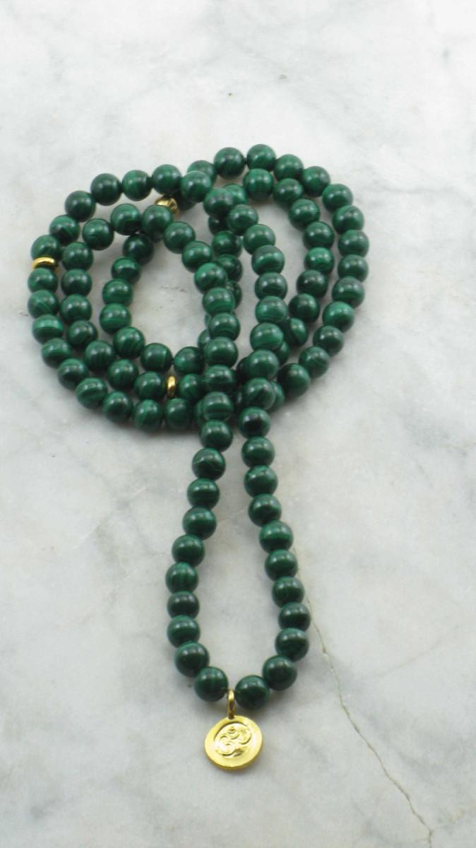 Confidence_Mala_Beads_108_Malachite_Mala_Beads_Buddhist_Prayer_Beads