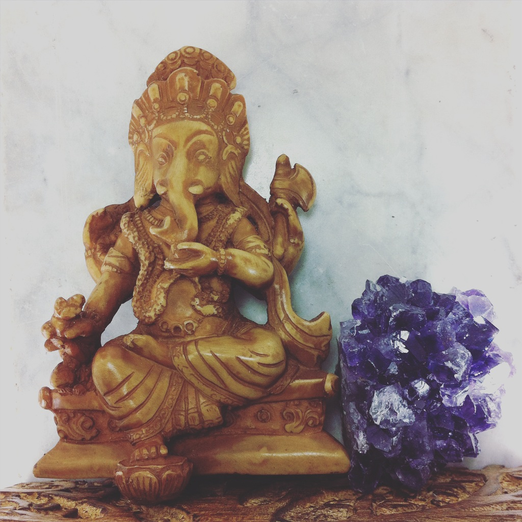 Shrine kit for yoga and meditation features Ganesha, mala beads box, and amethyst. Shrine for removing obstacles and Divine protection.